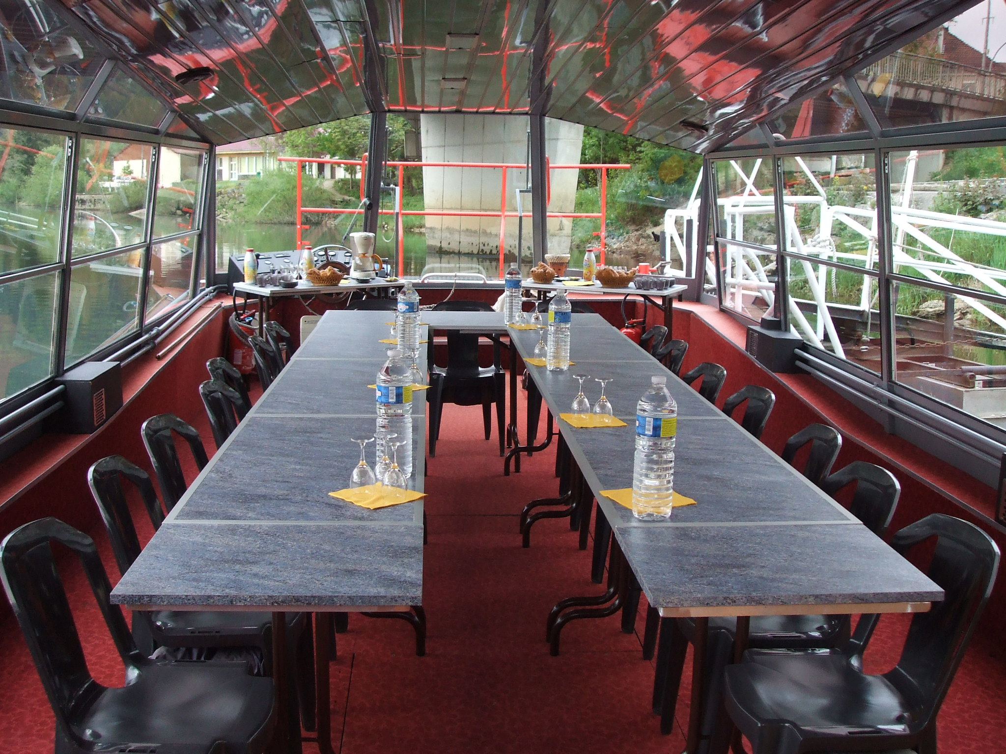 repas sur un bateau